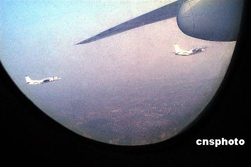 """首批学士""""飞天女""""1989年9月1日,刚刚闯入空军长春飞行学高清图片"""