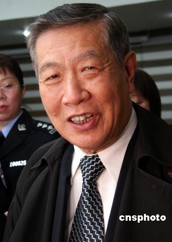 华裔神探李昌钰破公寓凶杀案 称荣誉是过眼烟云
