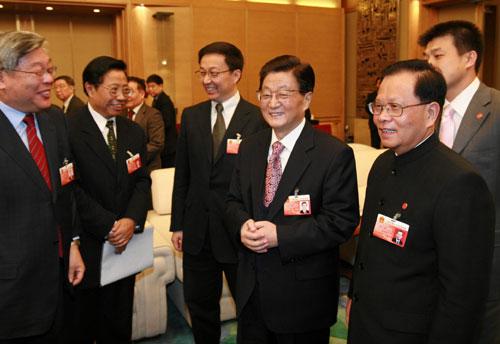黄菊参加上海代表团审议-两会,黄菊-北方网-新闻中心