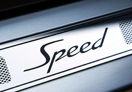 宾利欧陆gt speed独有标志高清图片