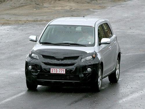 丰田新款小型SUV谍照曝光 亮相08年日内瓦车展高清图片