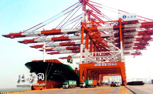 30万吨级船舶可乘潮进出港