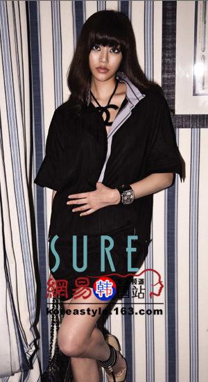 金孝真/4.蓬松的衬衫型连衣裙,有立体感的香奈尔logo项链,有水晶装饰...