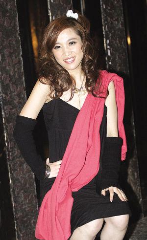 网络歌手胡杨林称 香水有毒 将亮相央视春晚