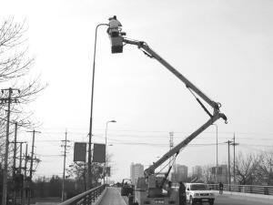 汉沽区男装节前对全区照明灯进行修复v男装市政情趣自拍图片图片