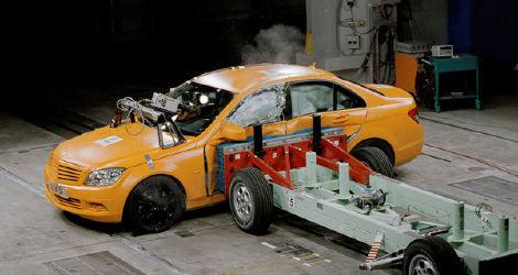 安全标准配置,例如esp和助力刹车帮助驾驶员在紧要关头控制汽车.