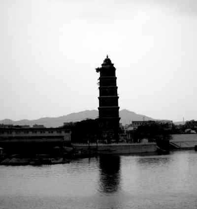 潮州八景之一的龙湫宝塔