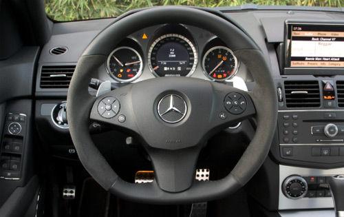 奔驰08款c63 amg方向盘高清图片