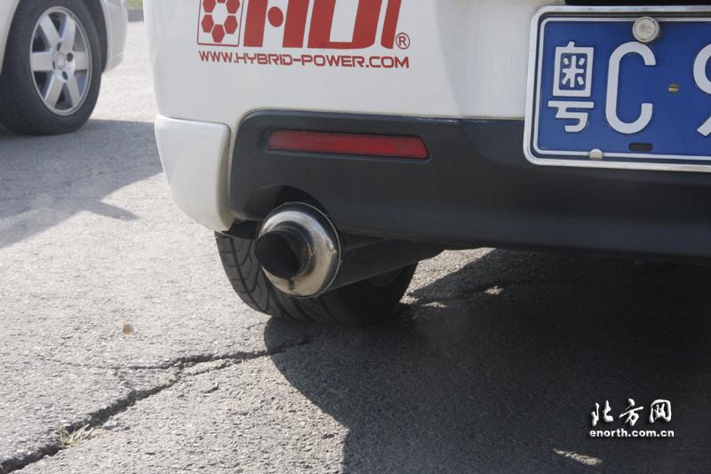 改装车的排气管高清图片