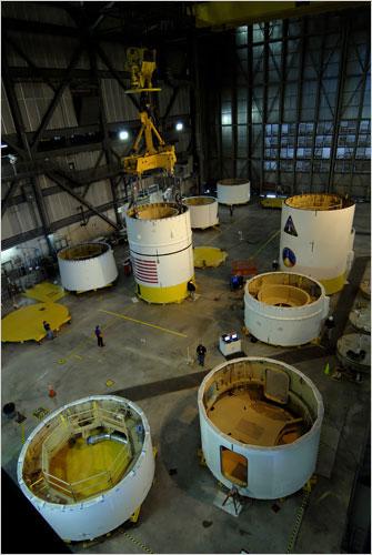 美国 载人飞船/阿瑞斯号火箭首次测试飞行将在今年进行。阿瑞斯I/X火箭2009年的...