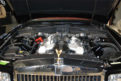 劳斯莱斯幻影发动机-劳斯莱斯幻影亮相 新车型古斯特将发布 图高清图片