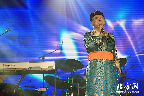牛豹/著名歌星杭天琪、黑龙以及天津歌手山河、张宏声、林茜等作为助...