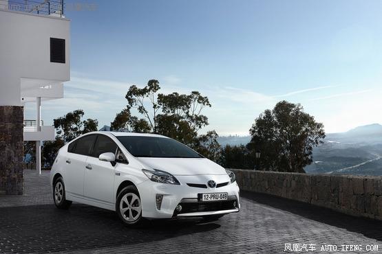 2013款丰田普锐斯混合动力高清图片