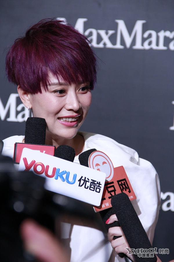 海清紫色短发卖萌 化身潮流女王图片