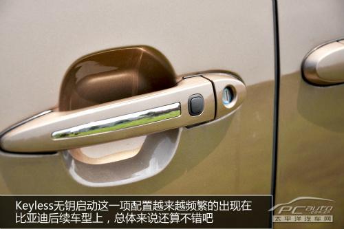 电动侧滑门终于出现在了新款的m6上,的引入也使得比亚迪m6高清图片