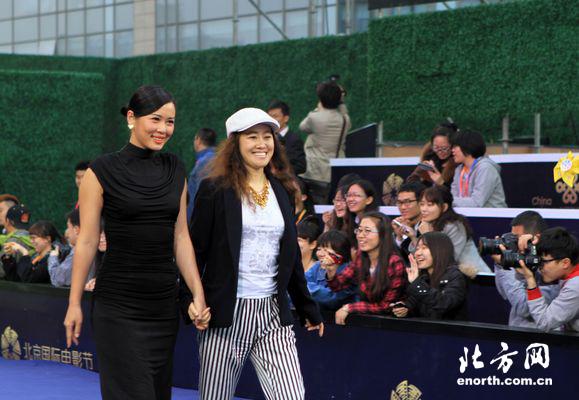 《亲爱》全体主创亮相第三届北京国际电影节图片