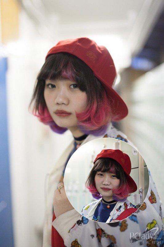渐变发色加上挑染,长短不一的刘海,收尾向内弯曲,红色棒球帽,各种
