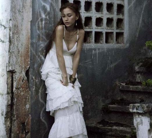 angelababy性感写真_明星时尚Angelababy杂志复古写真性感甜蜜1