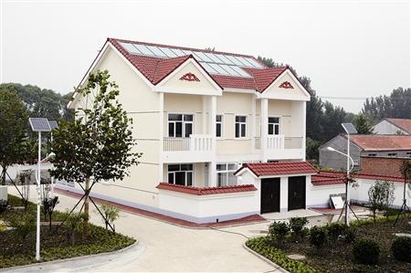 天津 津沽大地 正文       来到尹家铺村,8栋绿色农房红瓦白墙,中式图片
