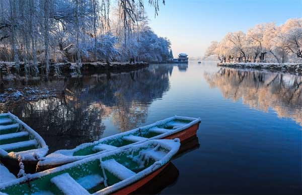 北京/赏雪贴士:乘301、303、330、331、332、346、362、374、...