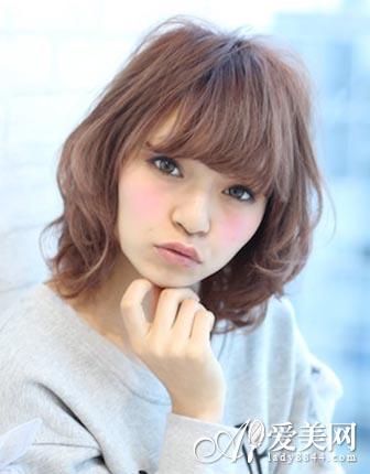 短发烫发发型图片 时尚不失灵动俏皮