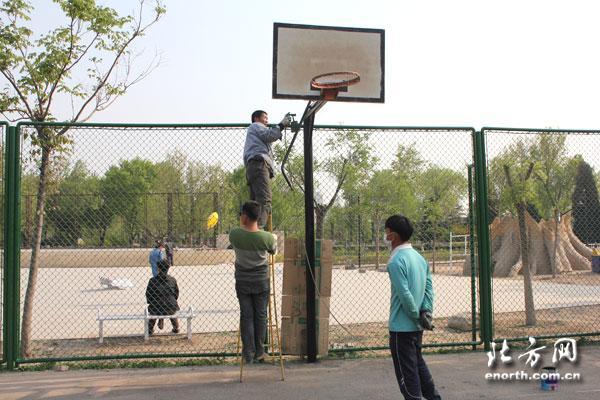 """长虹生态园篮球场""""五一""""重装亮相"""