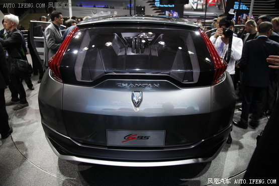动力方面,有消息称,作为长安旗舰suv车型,长安cs95量产车型高清图片