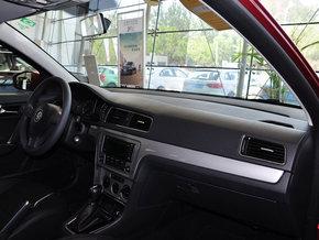 朗逸/全新朗行的驾驶舱风格与朗逸保持一致,同样的做工,同样的配置...