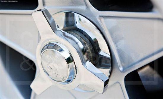 方向盘在中间的法拉利 价格比F1还贵哦高清图片