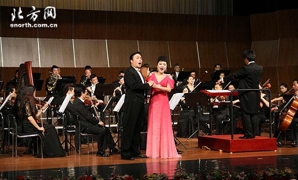 歌舞剧院歌剧团《夏日阳光》外国歌剧唱响津城