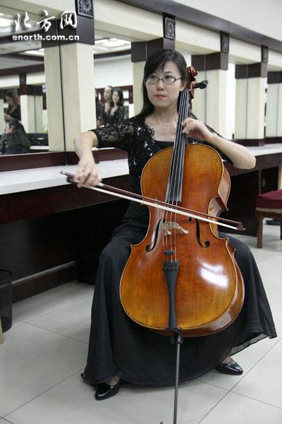 歌舞剧院大提琴演奏家韩俊毅获国际大赛金奖