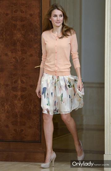 离异女主播如今成全球王室的穿衣楷模