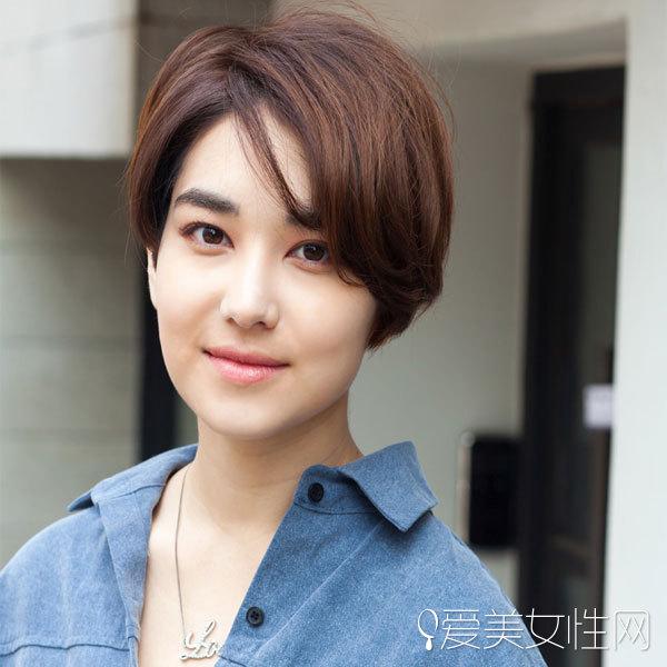 这款发型类似于当时尹恩惠男扮女装的图片