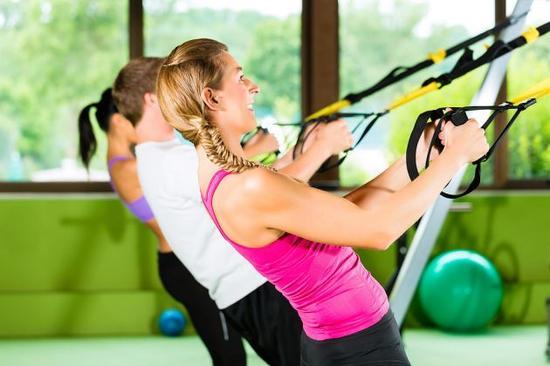 北方网 时尚呼吸 美体塑身 健身专区    ·慢慢将背部放低,收紧腹部