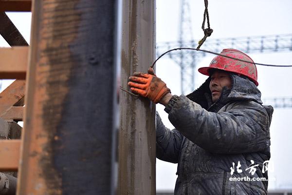 南1000千伏特高压输电线路的psn001号铁塔基础施工