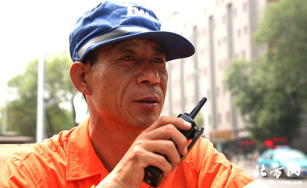 环卫局检查员徐文华:选择了岗位就要为之奋斗