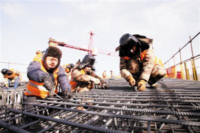 建设者春节不停工 津门铁军鏖战京张高铁