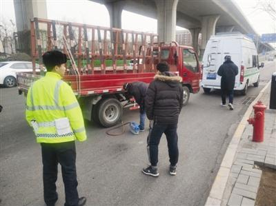 天津一天查处7起机动车尾气超标 对驾驶人予以处罚