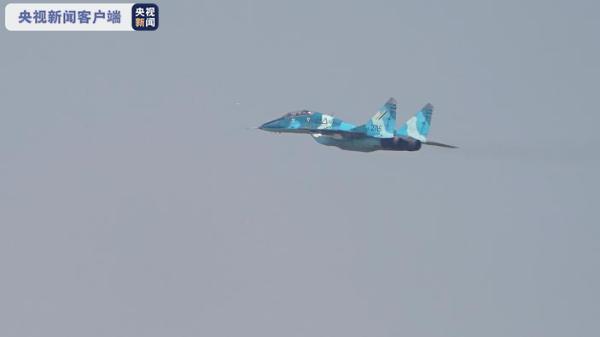 缅甸空军战机为习近平主席专机升空护航