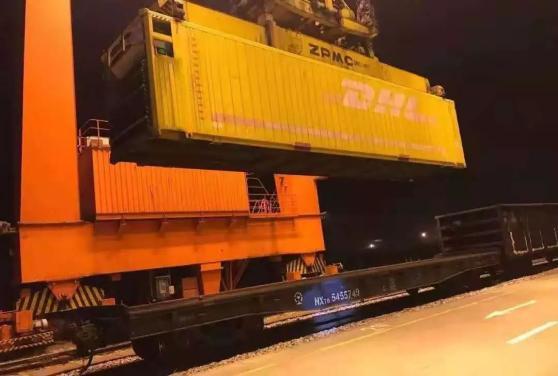 """货物发送量同比增长23.4%,铁路为武汉战""""疫""""助力"""
