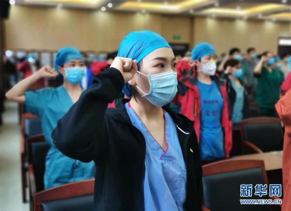 """(图文互动)(1)长大,只是一瞬间的事——天津""""90后""""护士的武汉战""""疫""""记忆"""