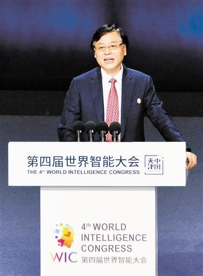 联想集团董事长兼CEO杨元庆:新基建为产业发展注入数字动力