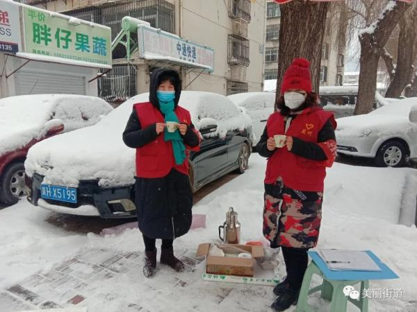 """【津评乐】铿锵玫瑰 防""""疫""""绽放"""