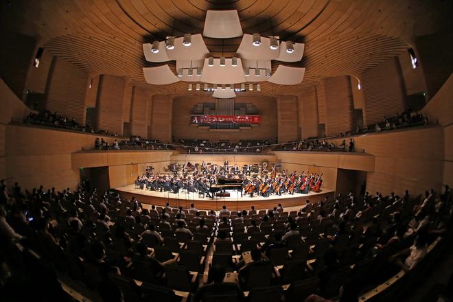 天津交响乐团《我爱你中国》大型交响音乐会盛大上演