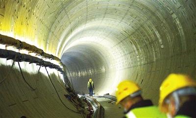 地铁6号线二期全线隧道贯通