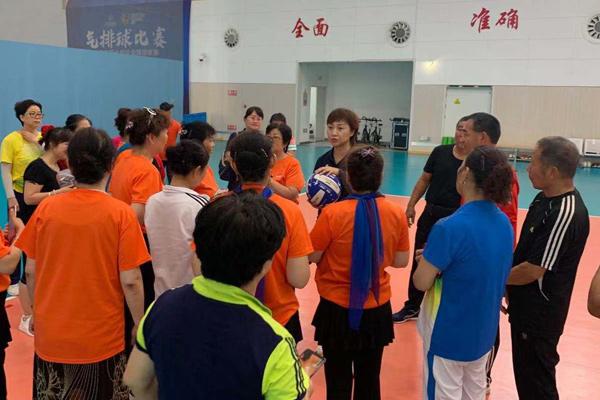 排球之城 天津市社会体育指导员参观气排球比赛