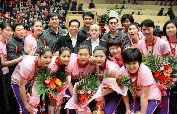 女排七年来第六次夺得该项中国女子排球顶级赛事的冠军多年来高清图片